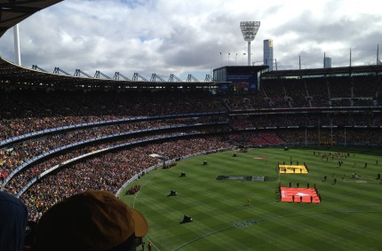Footy Grandfinal, kangaroos and AUS sprint champs in Tasmania